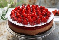 Chocolate-strawberry cheesecake