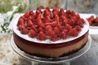Chocolate-strawberry light cake